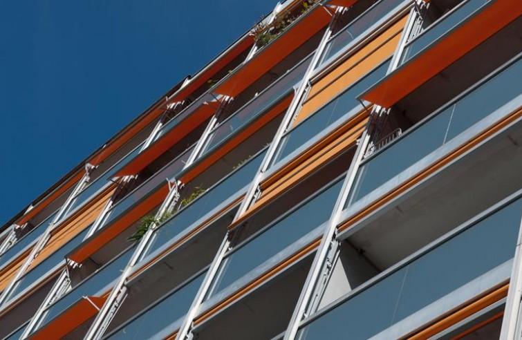 Markíza na balkón VISOMBRA