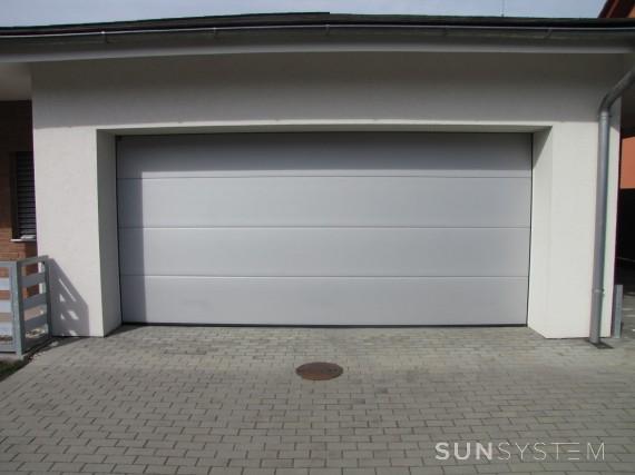 Sekčná garážová brána - Uherské Hradiště, 2015