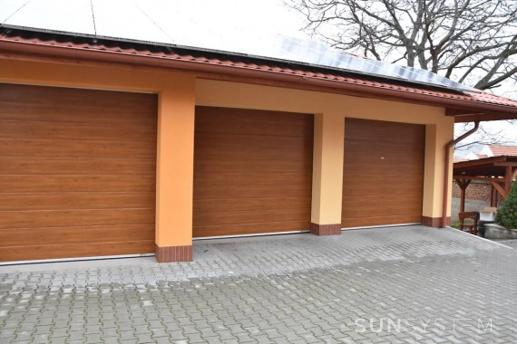 Privátna sekčná brána - Uherské Hradiště, 2016