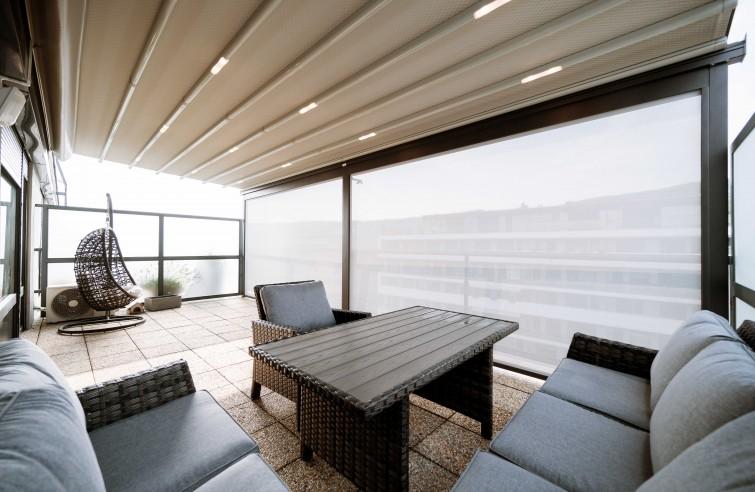 Moderné zastrešenie balkona EVA